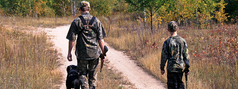 01 fathersonsquirrelhunters 800x300